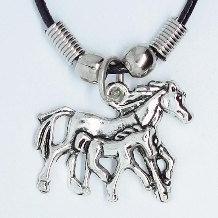 MK040 Ketten Pferd mit Fohlen