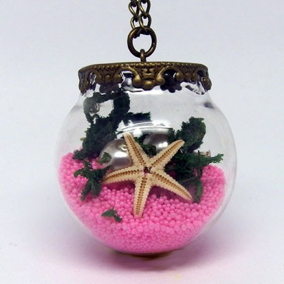 GK005 - Vintage Ketten Glaskugel unter Wasser Motiv rosa