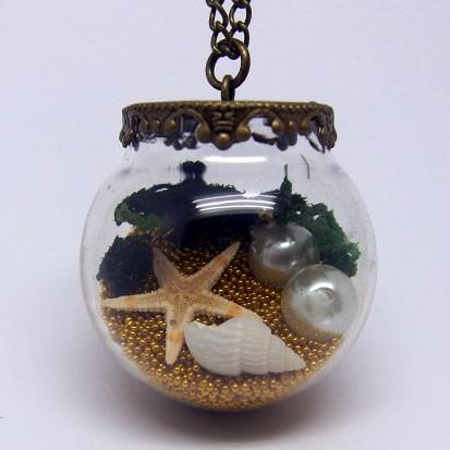 GK008 - Vintage Ketten Glaskugel unter Wasser Motiv gold