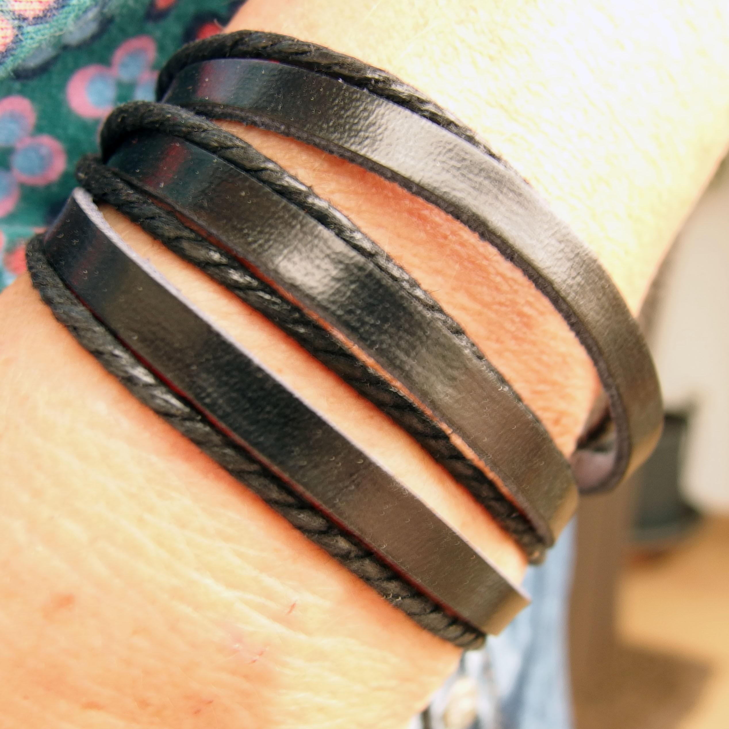 AB112 - Leder Armbänder schwarz 7 reihig