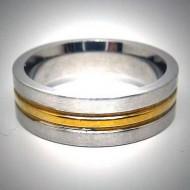 STR012 Ringe aus Edelstahl matt mittelstreifen in gold