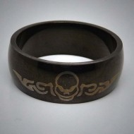 STR039 Ringe aus Edelstahl Schwarz m. Tribal Totenkopf