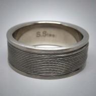 STR075 Ringe aus Edelstahl m. silbernem Edelstahlseil umwickelt