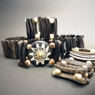CA001_0 Armbänder aus Kokos und Samen (Tagua)