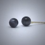 OS170 Ohrstecker aus Silber kugel schwarz cateye