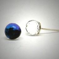 OS159 Ohrstecker aus Silber fassetierte Kugel Swarovski kristal blau l.